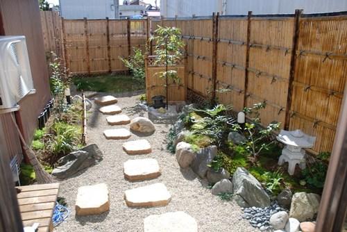 客間から観た中庭  (NO44)